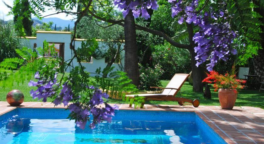Hoteles para adultos en malaga andalucia for Hostal ciudad jardin malaga