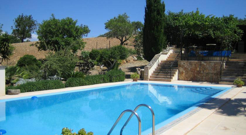 piscina del hotel Agroturisme Perola Only Adults