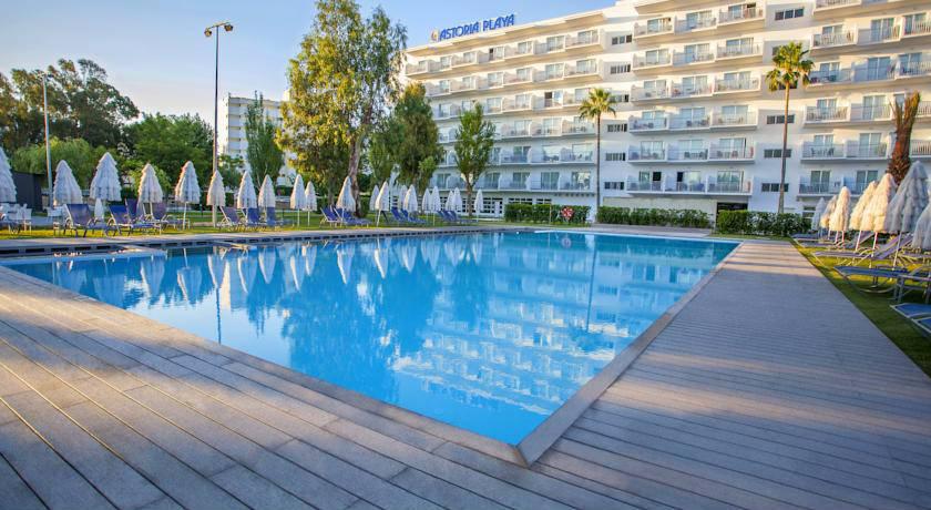 Hoteles adults only en mallorca p g 5 for Piscinas nudistas barcelona