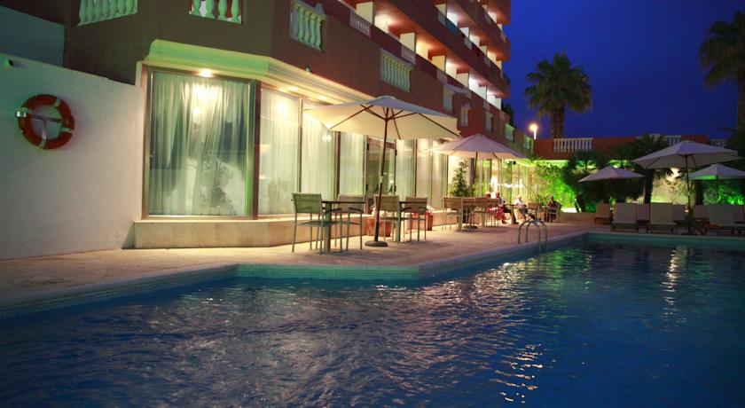 piscina exterior del Hotel Fergus Paraiso Beach - Adults Only