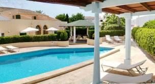 Hoteles adults only en menorca for Piscinas nudistas barcelona