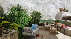 Patio del hotel Ses Sucreres en Menorca