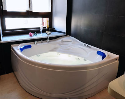Jacuzzi privado del Hotel Day Sleeper en Roma