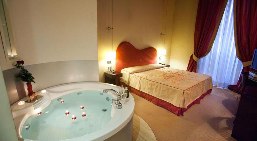 Hoteles con jacuzzi privado en la habitaci n en roma for Hoteles para parejas