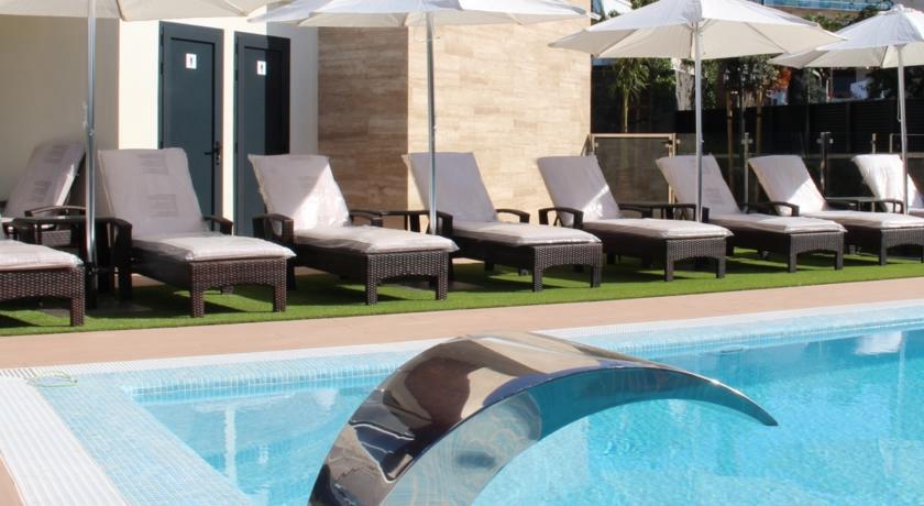 Los 15 mejores hoteles con vistas al mar en gran canaria for Piscinas nudistas barcelona