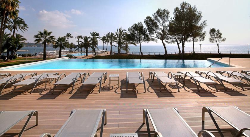 los 15 mejores hoteles con vistas al mar en mallorca. Black Bedroom Furniture Sets. Home Design Ideas