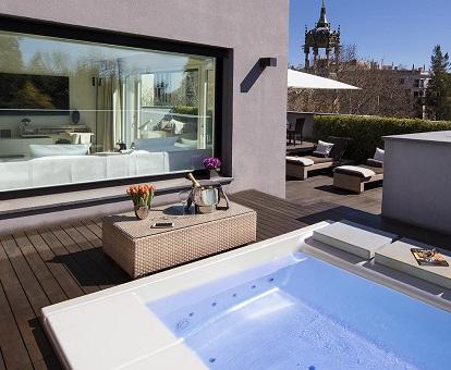 12 Hoteles Con Jacuzzi En La Habitación En Barcelona Ranking 2020